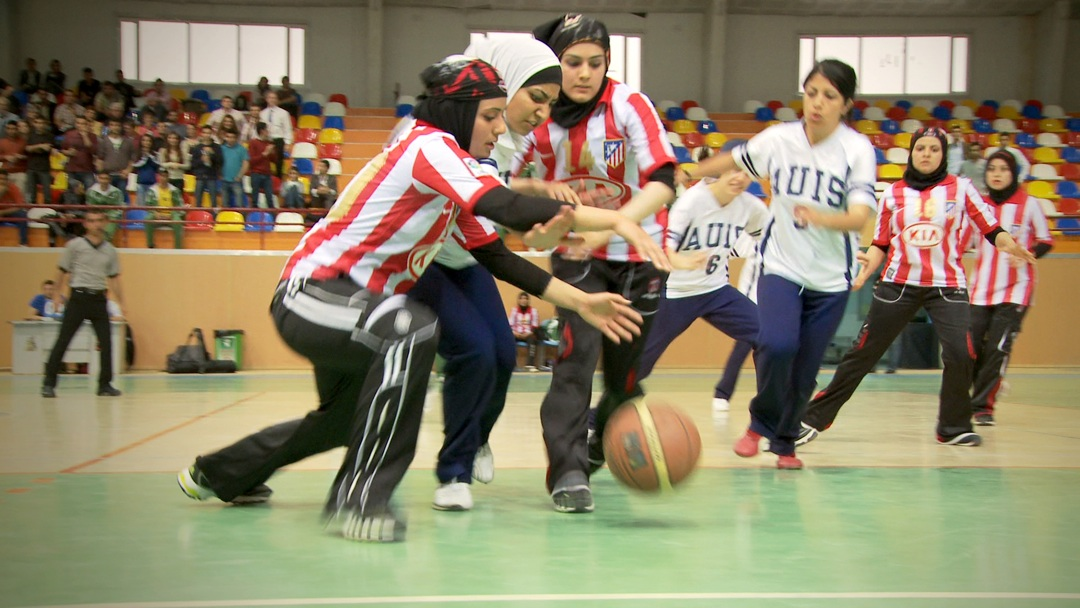 Salaam Dunk - Girls Playing