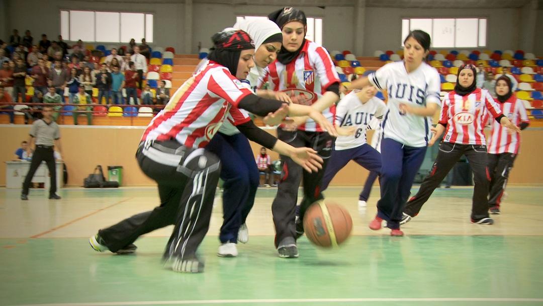 Salaam Dunk - Girls Playing